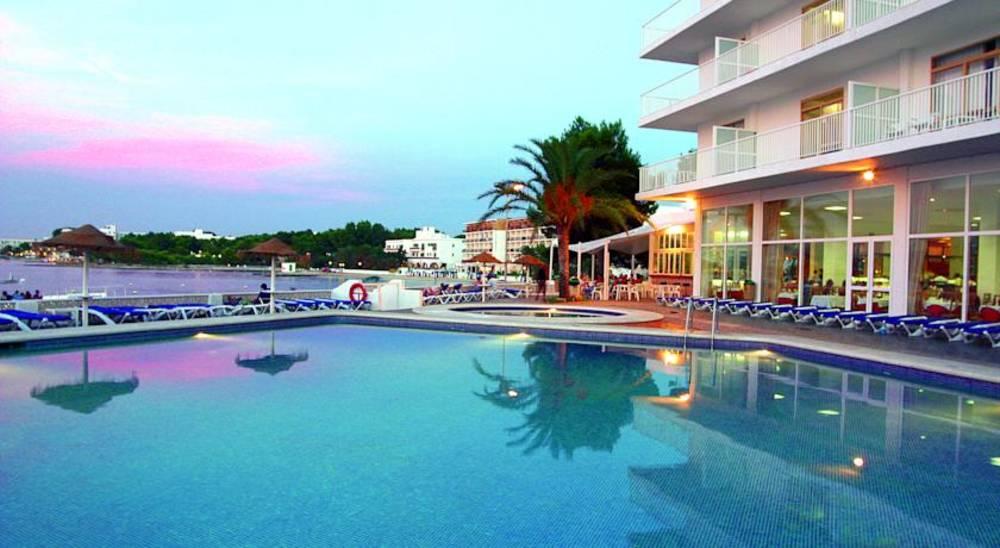 Azuline hotels hoteles familiares en ibiza y mallorca for Hoteles familiares mediterraneo